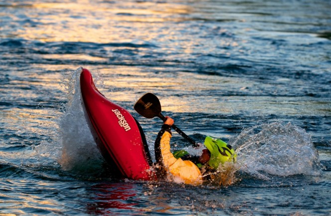 kayak-white-water-water-sports-courage-skill
